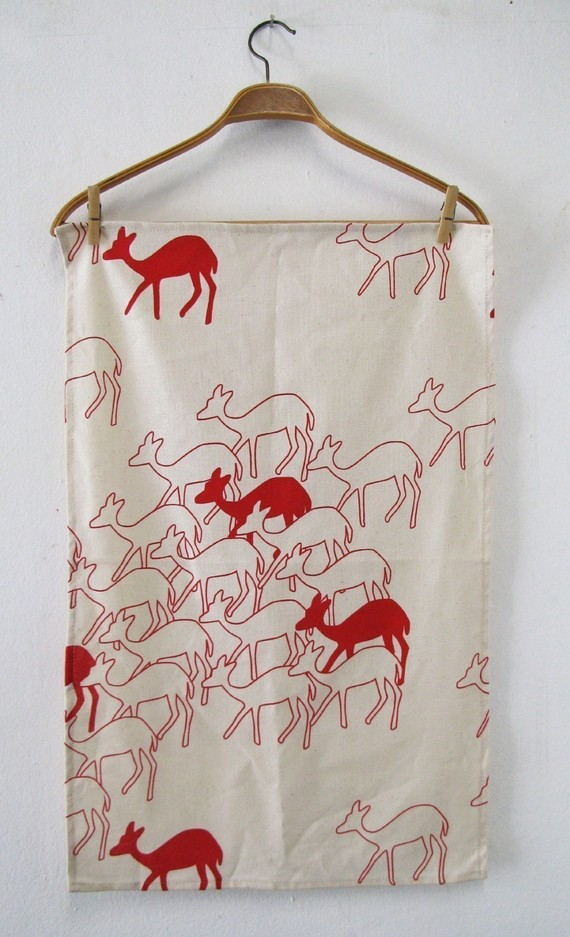 Duikers in aloe red tea towel